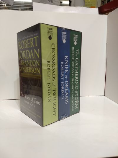 Image for Wheel of Time Premium Boxed Set IV: Books 10-12 (Crossroads of Twilight, Knife of Dreams, The Gathe)