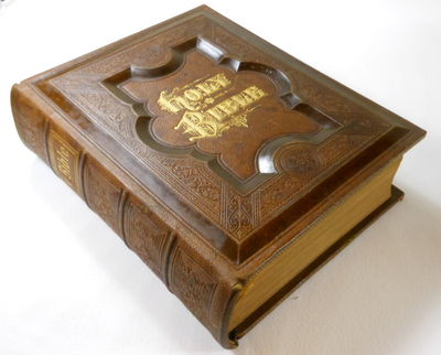 The Complete Text: Pictorial Family Bible [Authorized or King James Version]...Apocrypha, Psalms in Metre, Concordance..., Bible in English. Authorized Version [King James Verions]