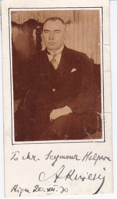 MAGAZINE PORTRAIT OF THE THIRD PRESIDENT OF LATVIA ALBERTS KVIESIS, INSCRIBED AND SIGNED BY HIM., Kviesis, Alberts. (1881-1944).Latvian lawyer and politician who became the third President of Latvia.