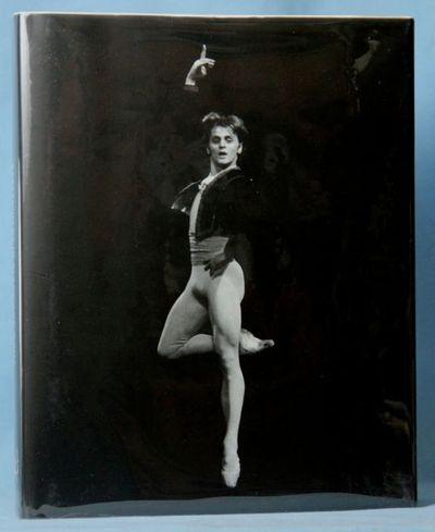 BARYSHNIKOV IN BLACK AND WHITE